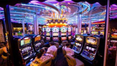 Photo of Keunggulan Bermain di Slot Online Terpercaya Dibandingkan Mesin Slot Tradisional